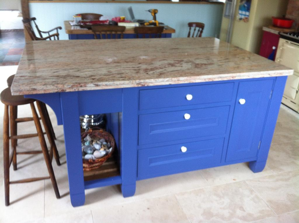 Island unit with granit worktop